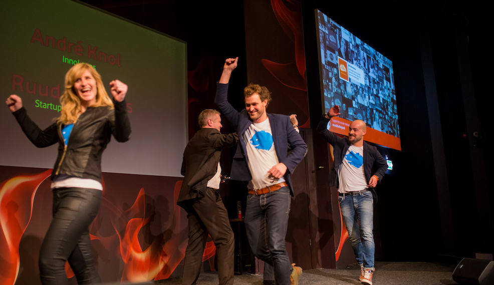 DEMO DAY_team heppee on stage_ENERGY
